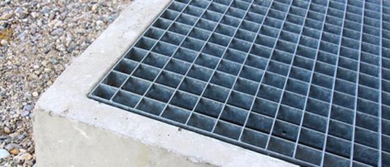 Kellerschachtabbedeckungen frühzeitig montieren, um Schmutz und Nager fernzuhalten